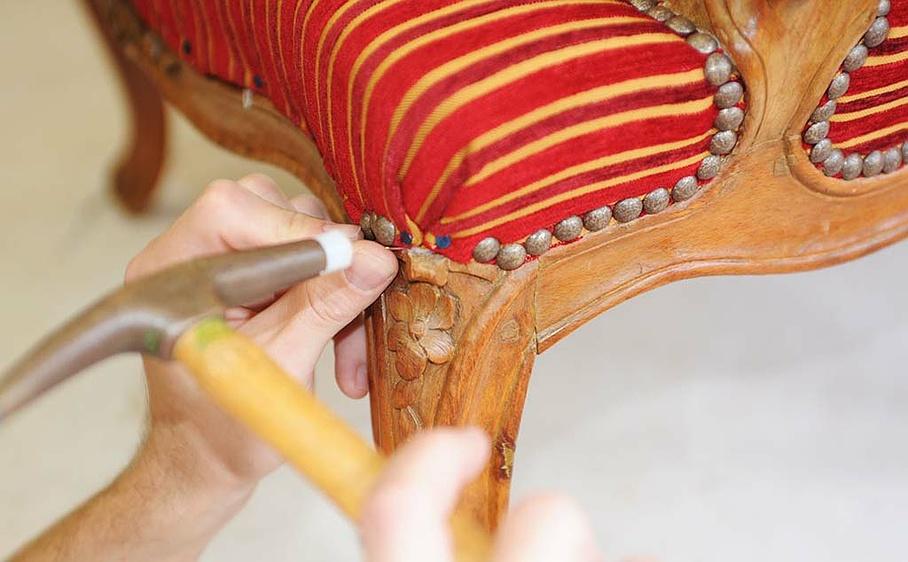 Burgy Meubles Atelier Tapissier Decorateur Cugy Fr